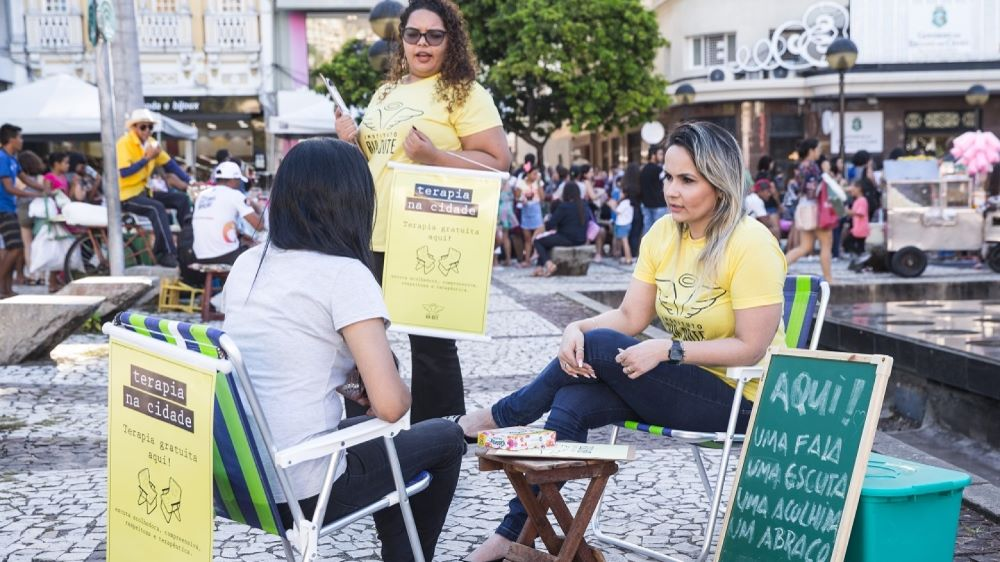 fortaleza promove acolhimento psicológico em praças
