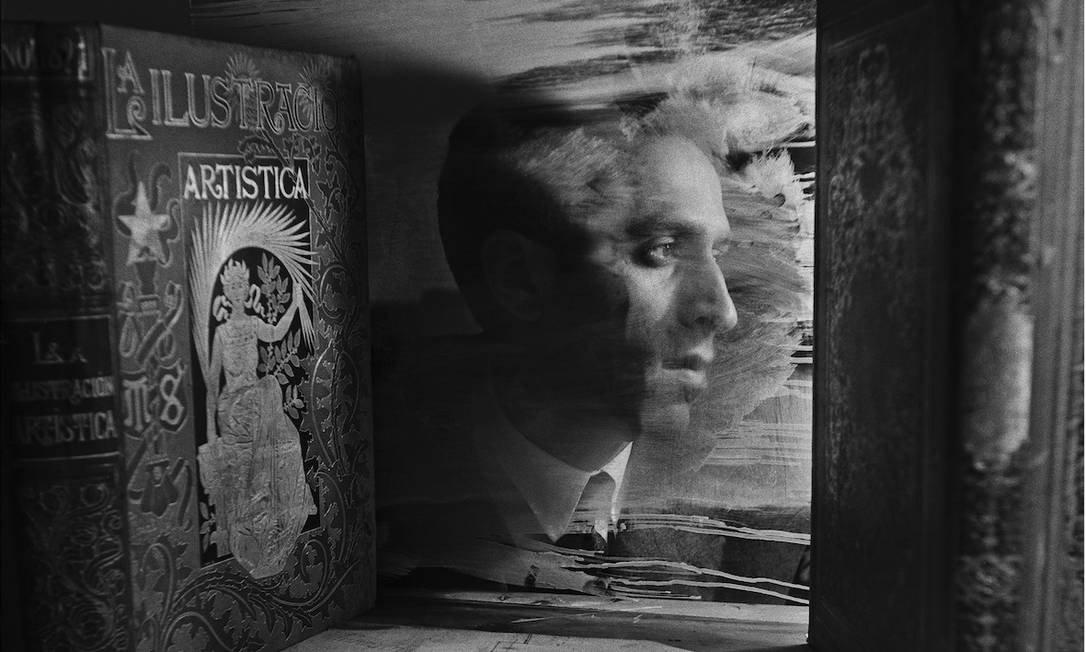 ims-rj adquire duas mil obras de artista surrealista português