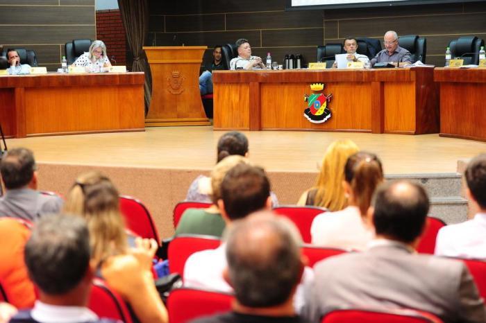 pedido de impeachment de prefeito de farroupilha é aceito por câmara