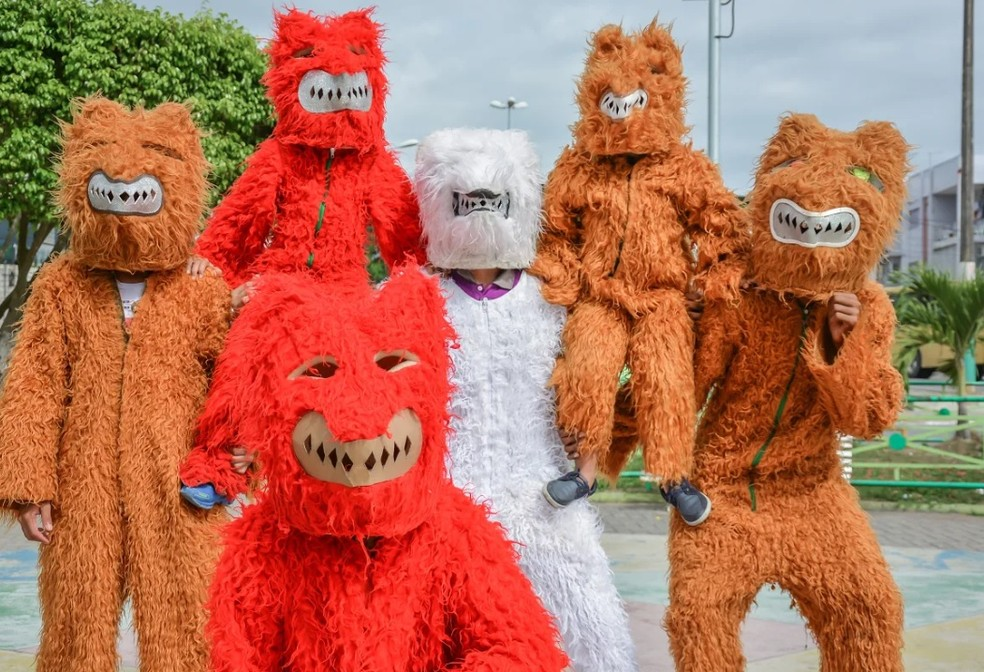 pernambuco atrai turistas o ano todo com sambadas de urso