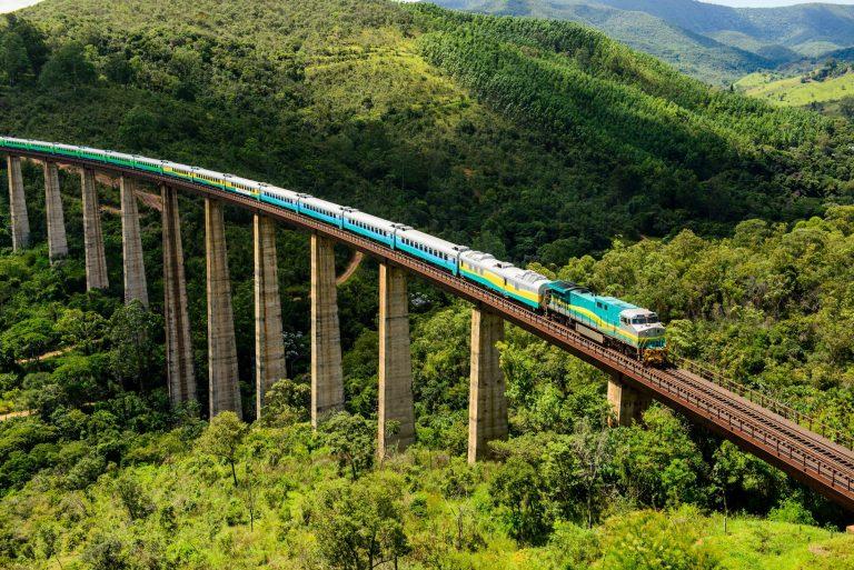 ferrovia vitória-minas é reaberta a passageiros, por ser segura